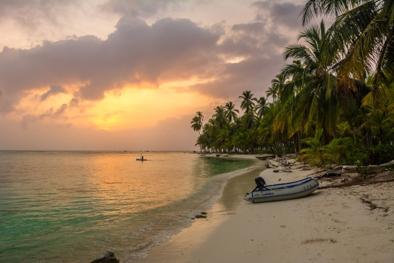 San Blas beach in Sunset (Large)